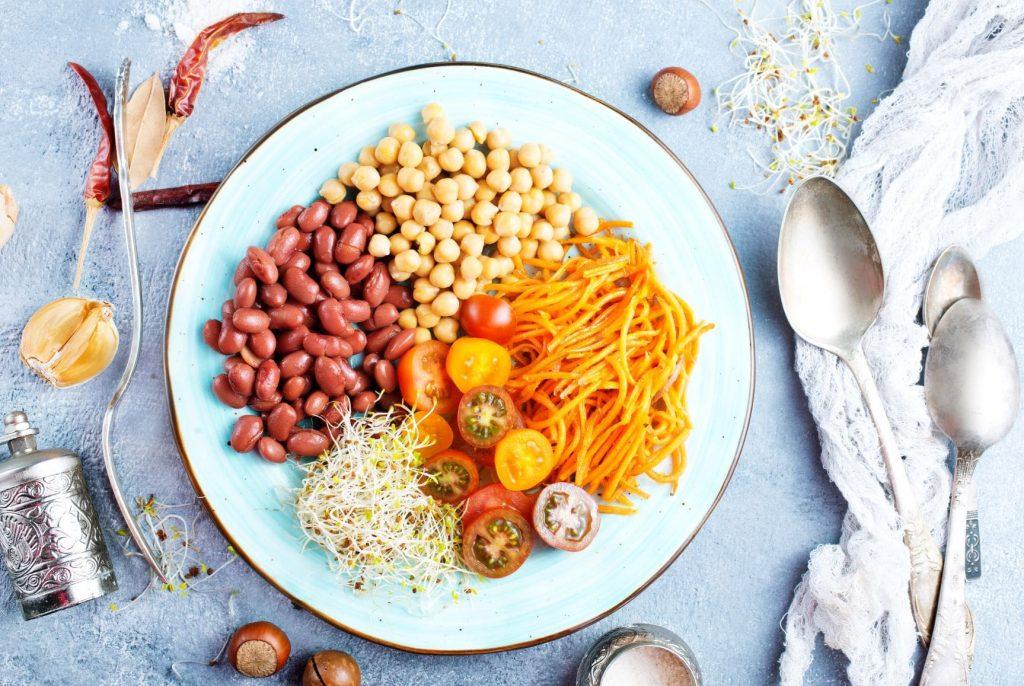 Klikkaa kuvasta ja pääset lataamaan 21-ruoka-ainetta laihduttajalle oppaan (maksuton)
