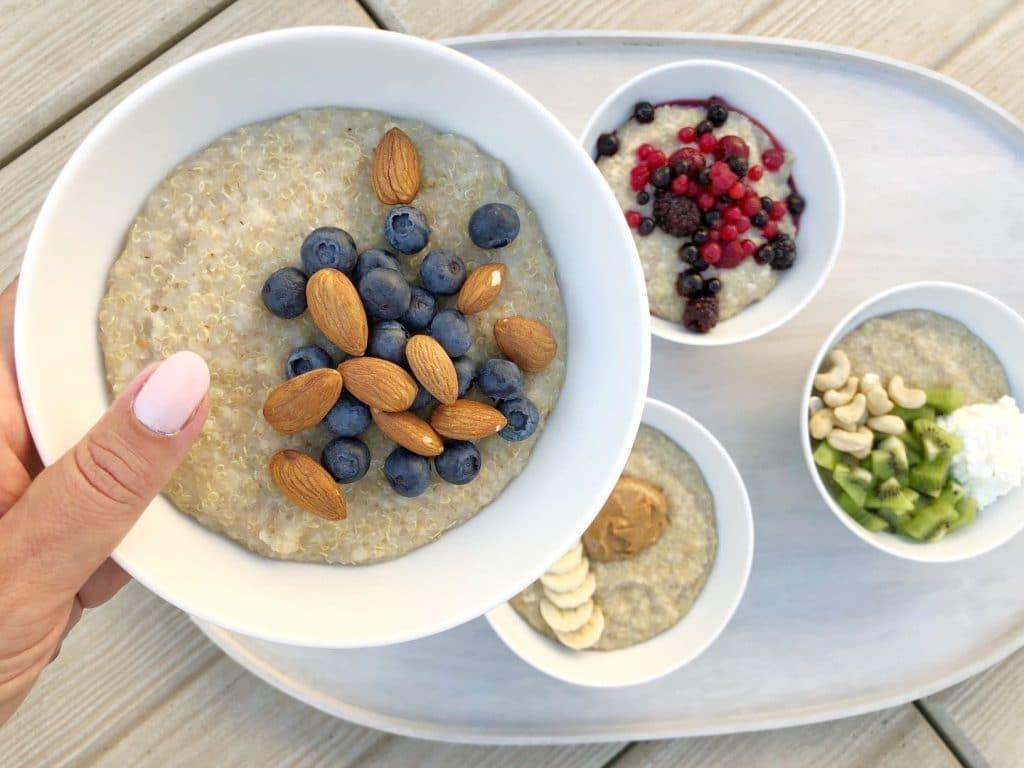 Kvinoapuuro on terveellinen, helppo ja gluteeniton aamupala