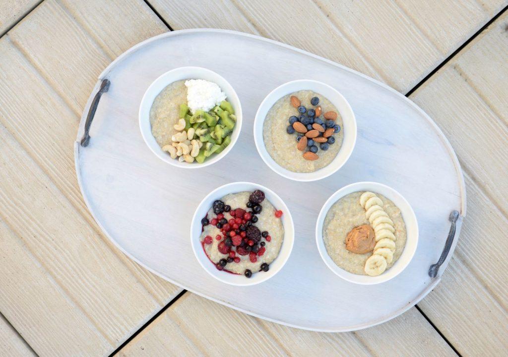 Terveellistä gluteenitonta kvinoapuuroa voit syödä monella tapaa