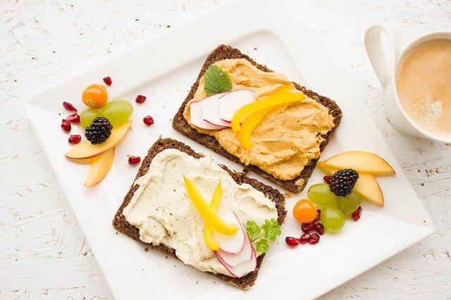 On monta tapaa koostaa terveellinen aamupala
